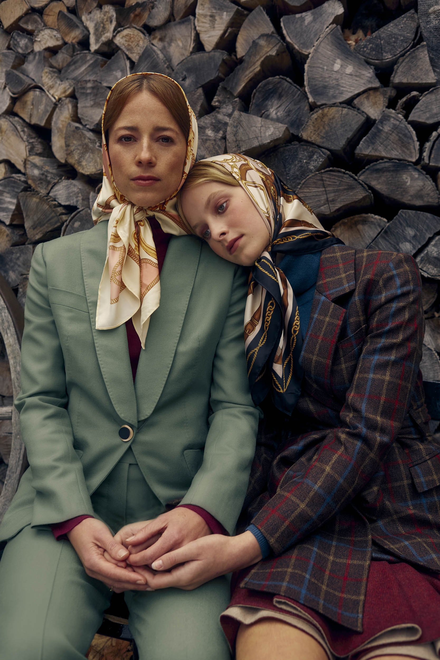 Karine Vanasse and Annabelle wears MAR custom made suits for women